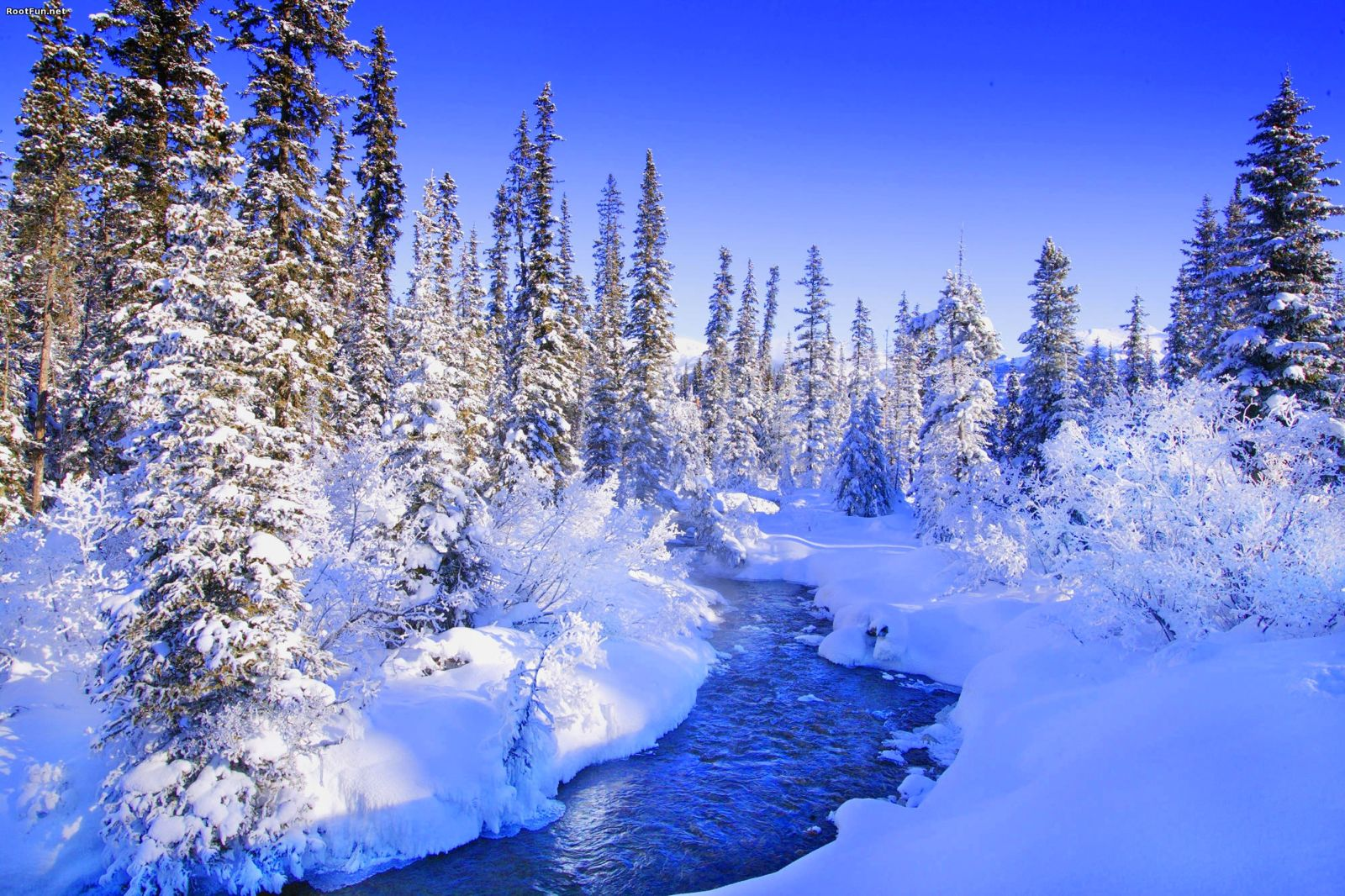 5 Winter Holidays You Should Be On Right Now! (2)
