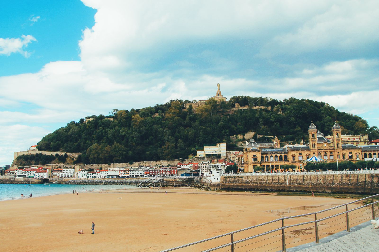 The Most Beautiful City in Spain. San Sebastian, Gipuzkoa, Spain, Hotel Londres (9)