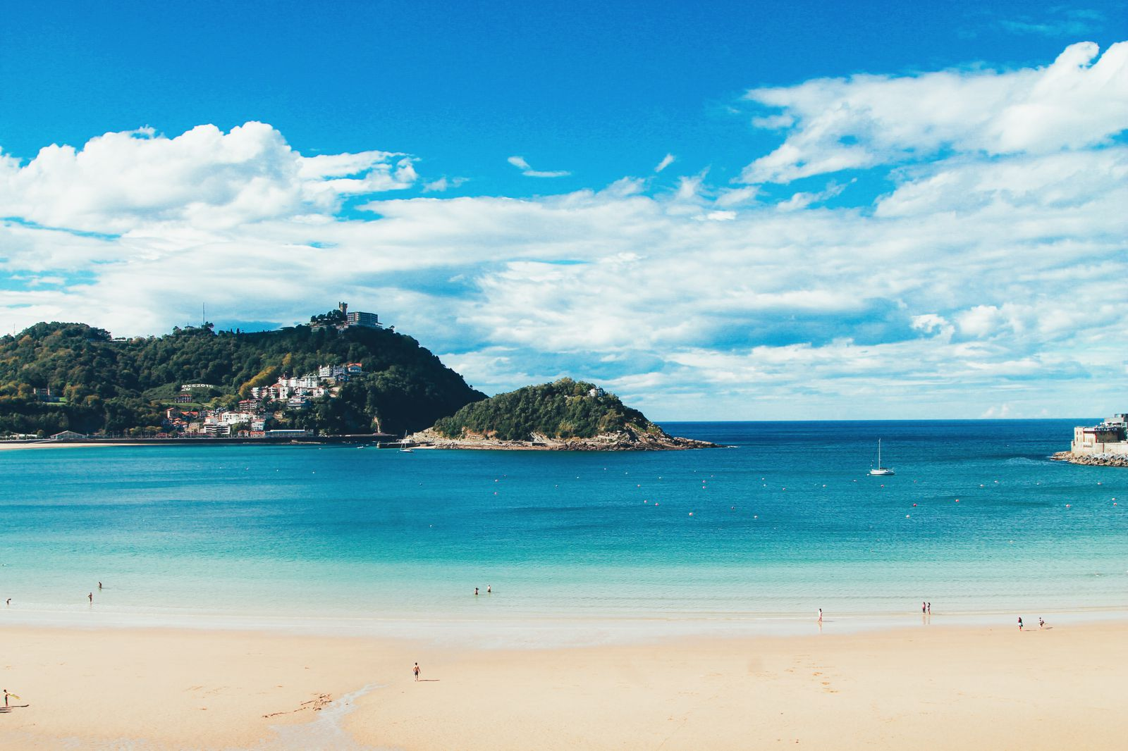 The Most Beautiful City in Spain. San Sebastian, Gipuzkoa, Spain, Hotel Londres (16)