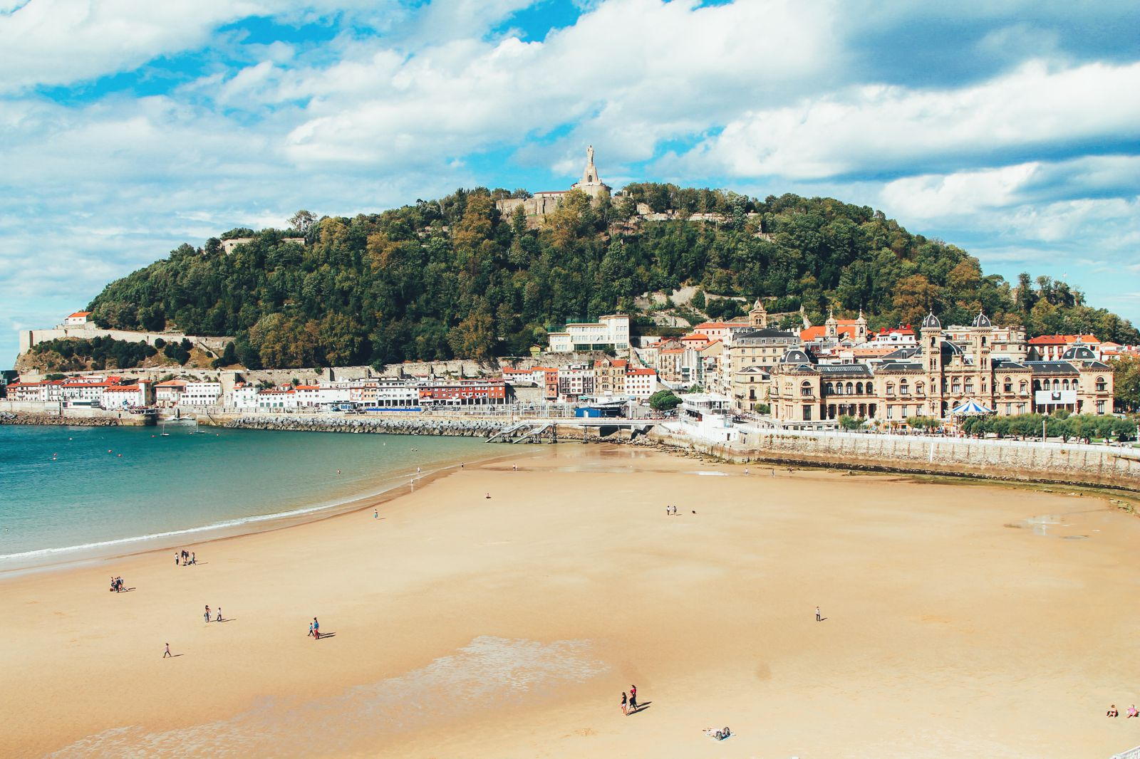 The Most Beautiful City in Spain. San Sebastian, Gipuzkoa, Spain, Hotel Londres (18)