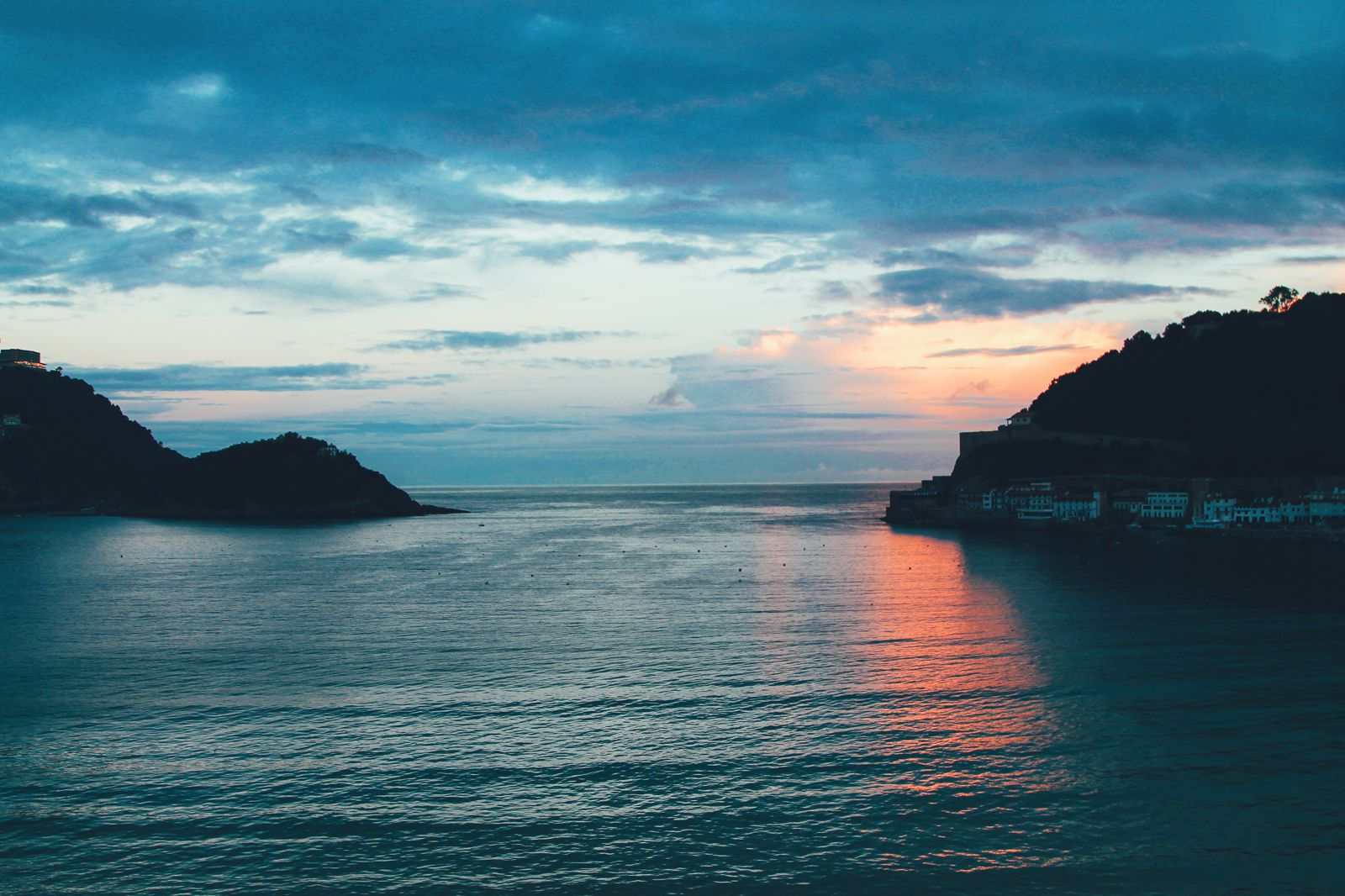The Most Beautiful City in Spain. San Sebastian, Gipuzkoa, Spain, Hotel Londres (22)