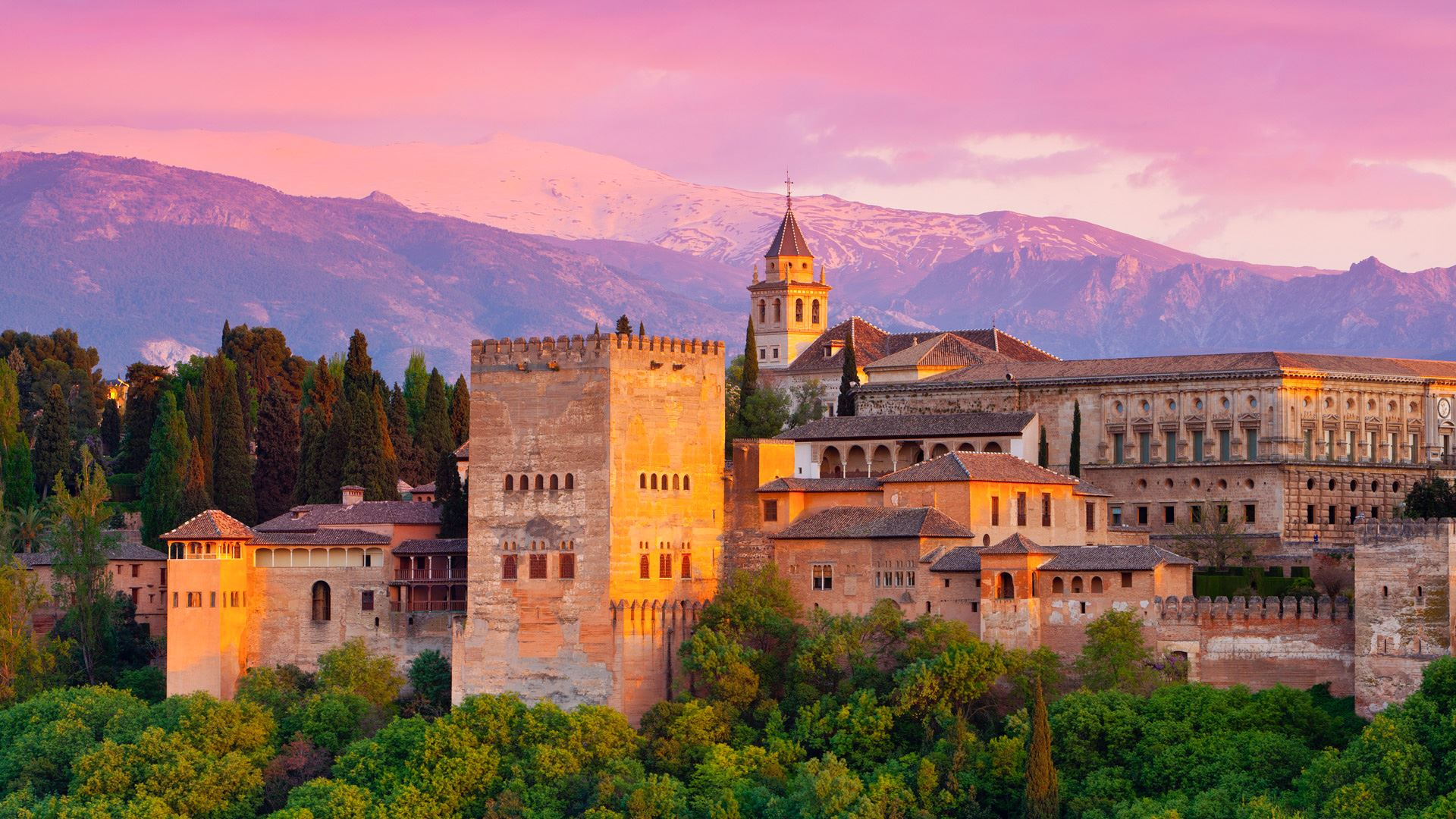 Travel Spotlight: 9 Reasons Why You Should Visit Alhambra in Spain! (6)