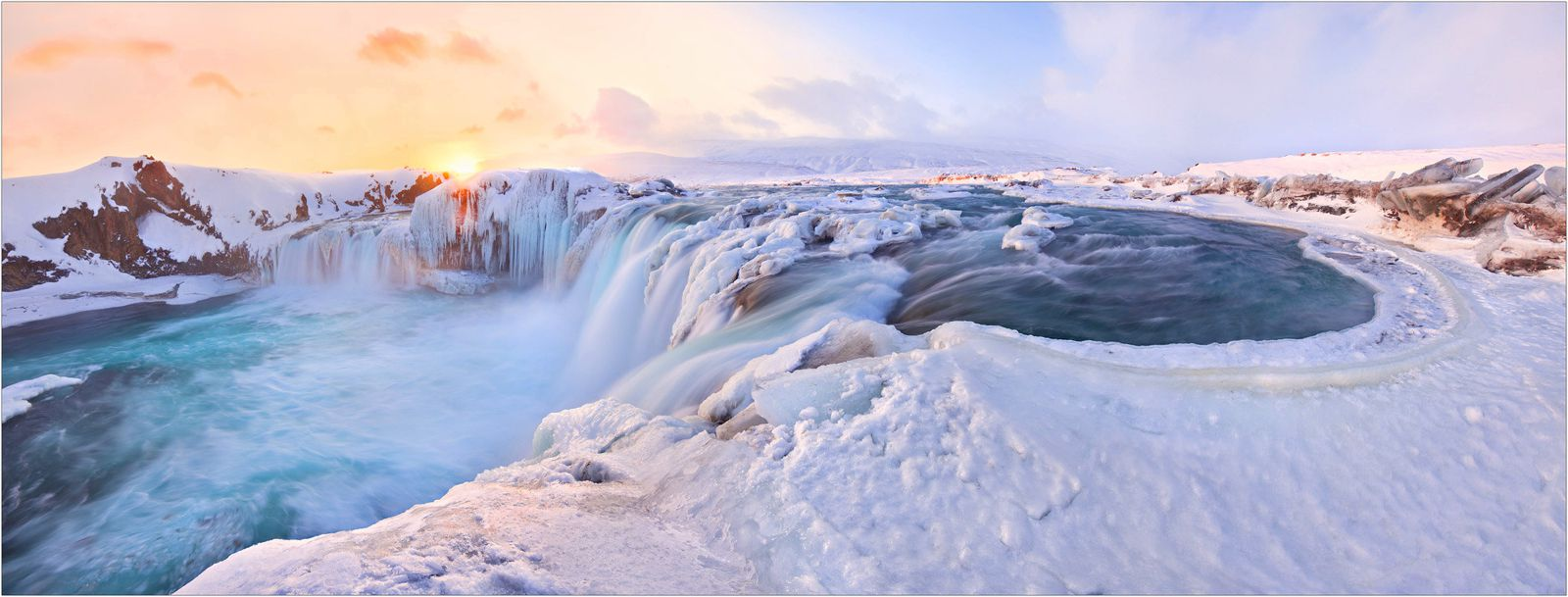 5 Winter Holidays You Should Be On Right Now! (7)