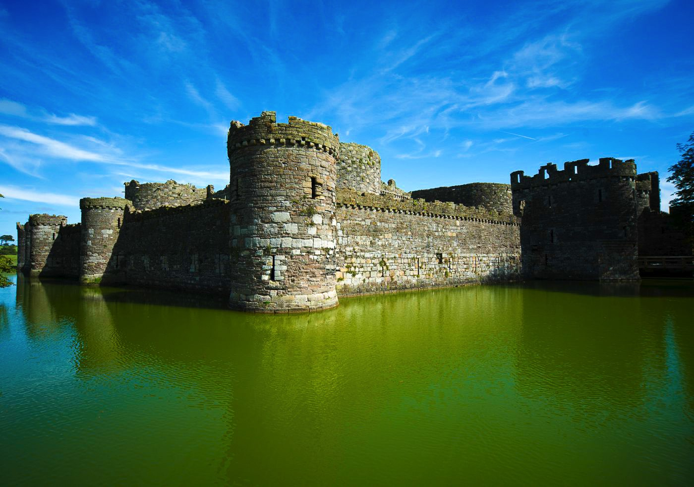 The Best Castles in Great Britain Beaumaris_Castle_8074243202-3-s