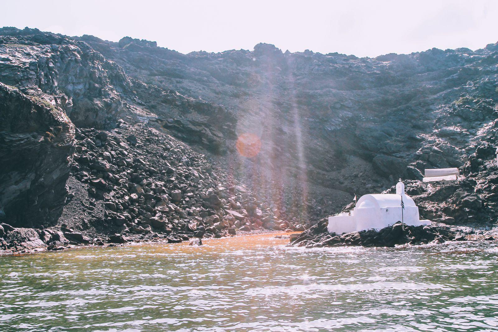 Conquering Volcanos in Santorini, Caldera, Sailing, Boat Trip, Greece (14)