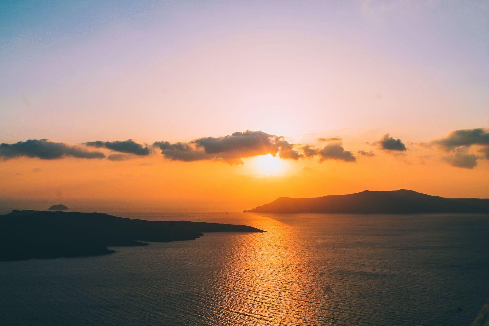 Conquering Volcanos in Santorini, Caldera, Sailing, Boat Trip, Greece (34)