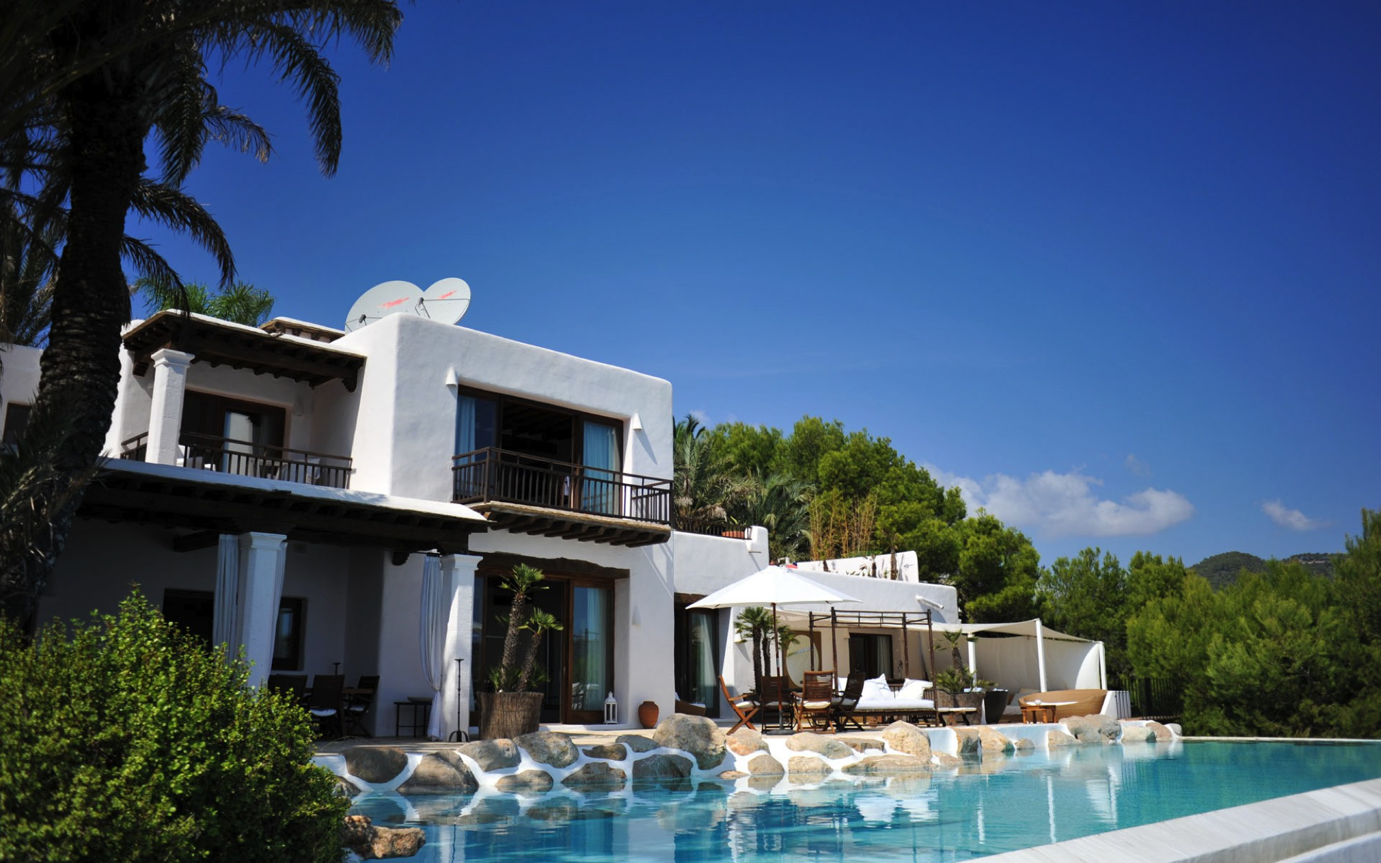 Summertime in Ibiza! Which Of These 5 Places Would You Choose? (8)