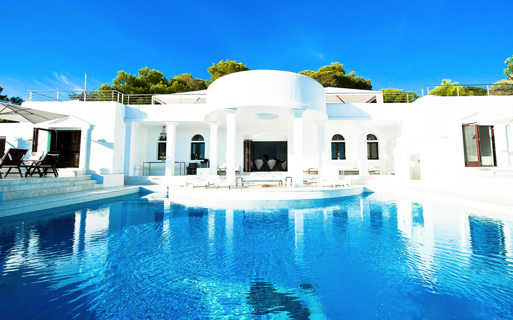 Summertime in Ibiza! Which Of These 5 Places Would You Choose? (5)