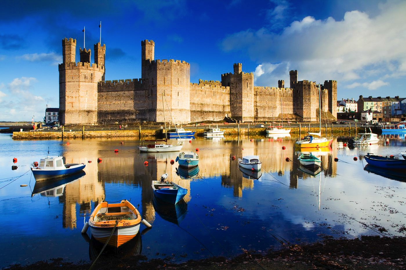 16 Fairytale Castles You Must See in Wales! Beaumaris Castle Caernarfon Castle Caerphilly Castle Carreg Cennen Castle Castell Coch Chepstow Castle Conwy Castle Criccieth Castle Denbigh Castle Dolwyddelan Castle Harlech Castle Kidwelly Castle Raglan Castle St Davids Bishop's Palace Tintern Abbey Tretower Court & Castle Weobley Castle (2)