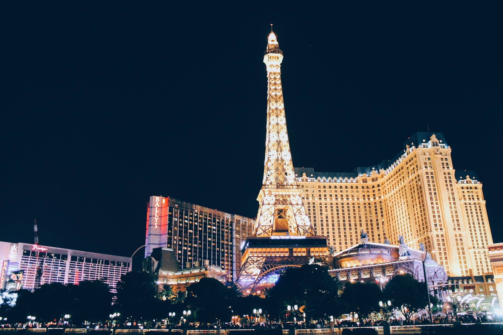 11 Reasons Why You Need To Go To Las Vegas On Holidays! (5)