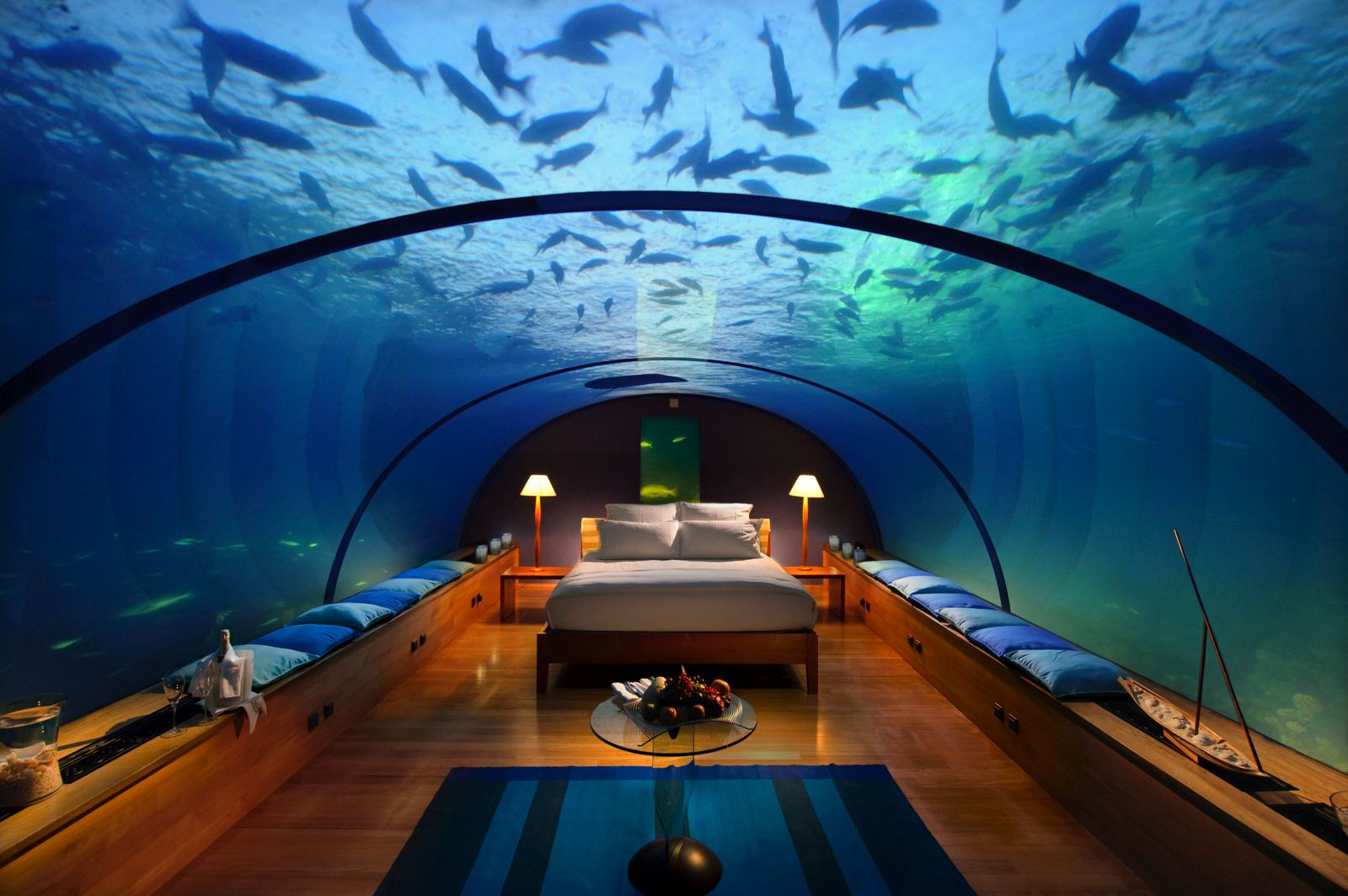 4 Amazing Underwater Hotels You Need To Stay In! (5)