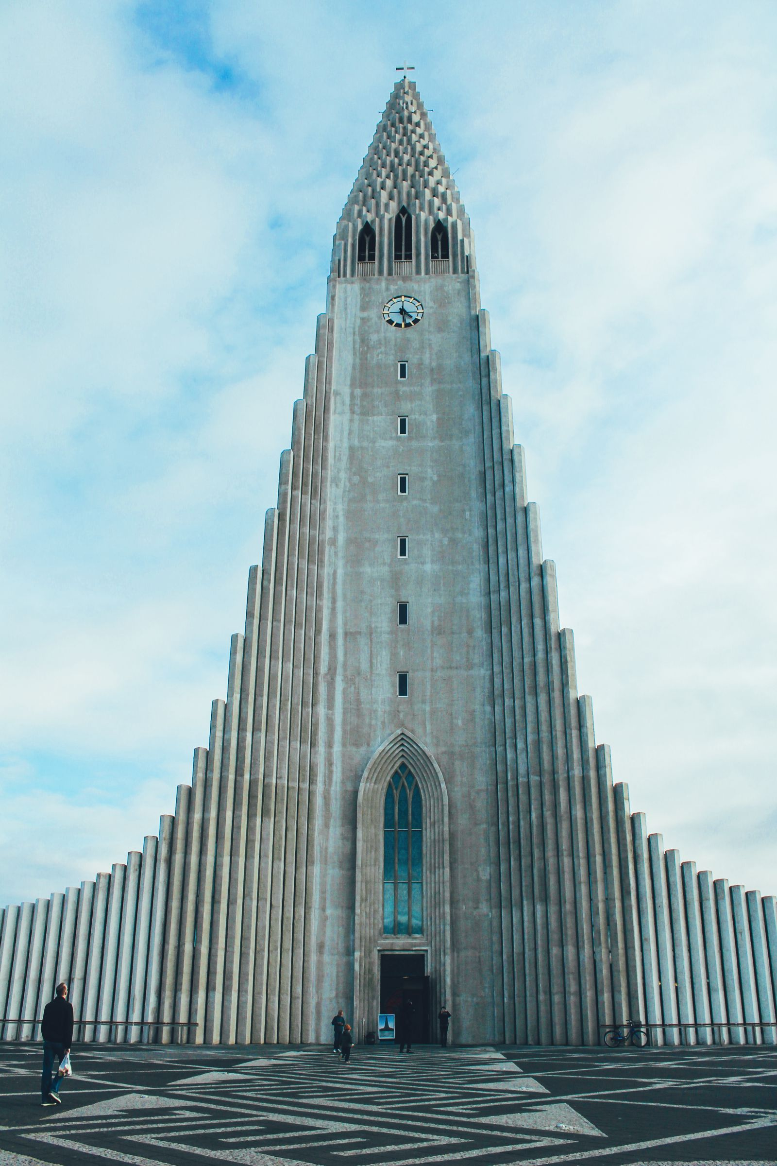 3 Amazing Waterfalls You Have To Visit In Southern Iceland + Plus A Tour Around Reykjavik (17)