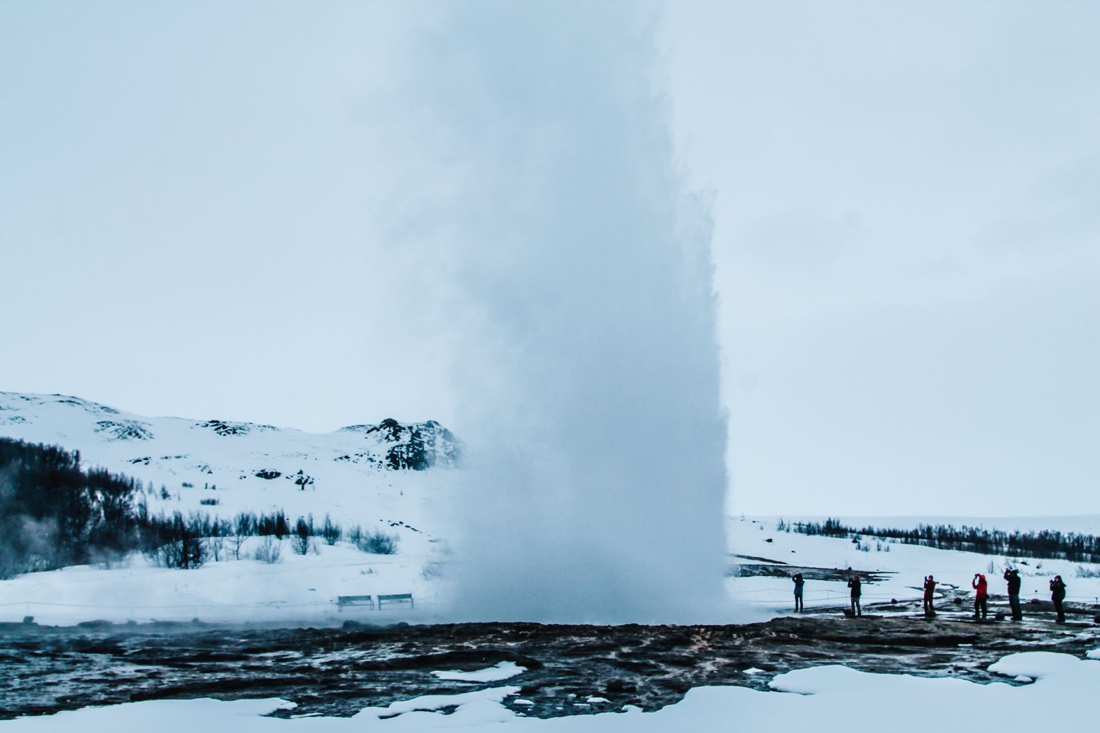 The 1st Day in The Land Of Fire and Ice - Iceland! Lava Baking, Geo-Thermal Pools And The Golden Circle (Part 2) (12)