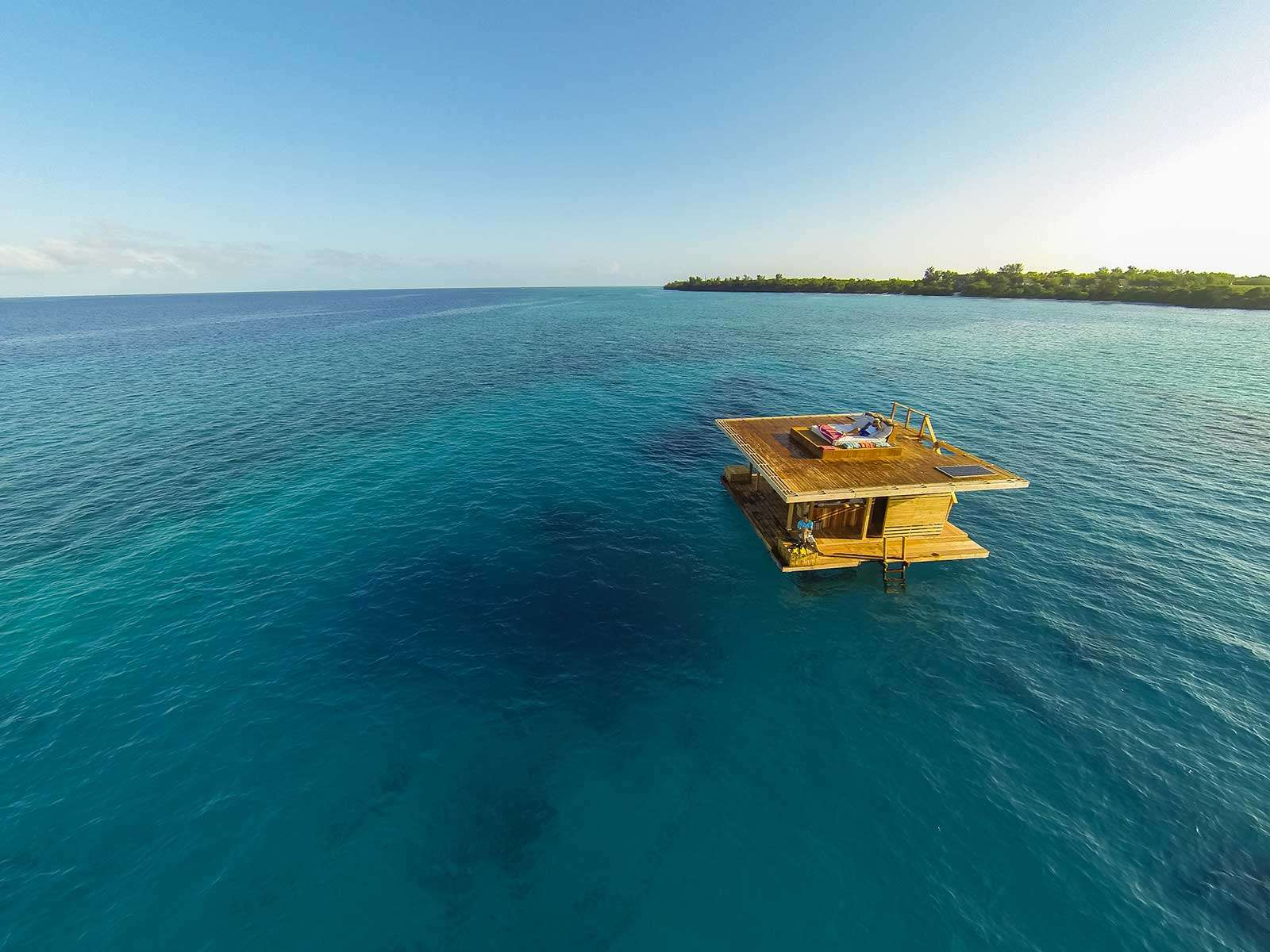 4 Amazing Underwater Hotels You Need To Stay In! (2)
