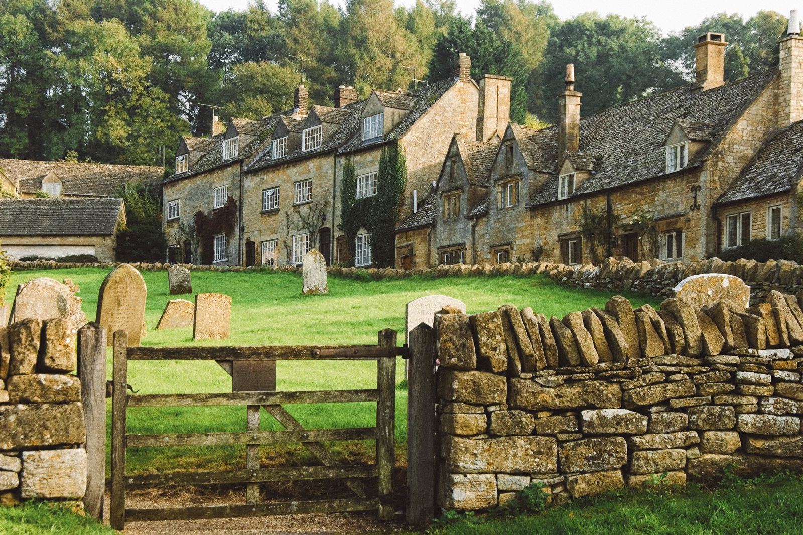 These Photos Are Guaranteed To Make You Want To Visit The Cotswolds In England Hand Luggage