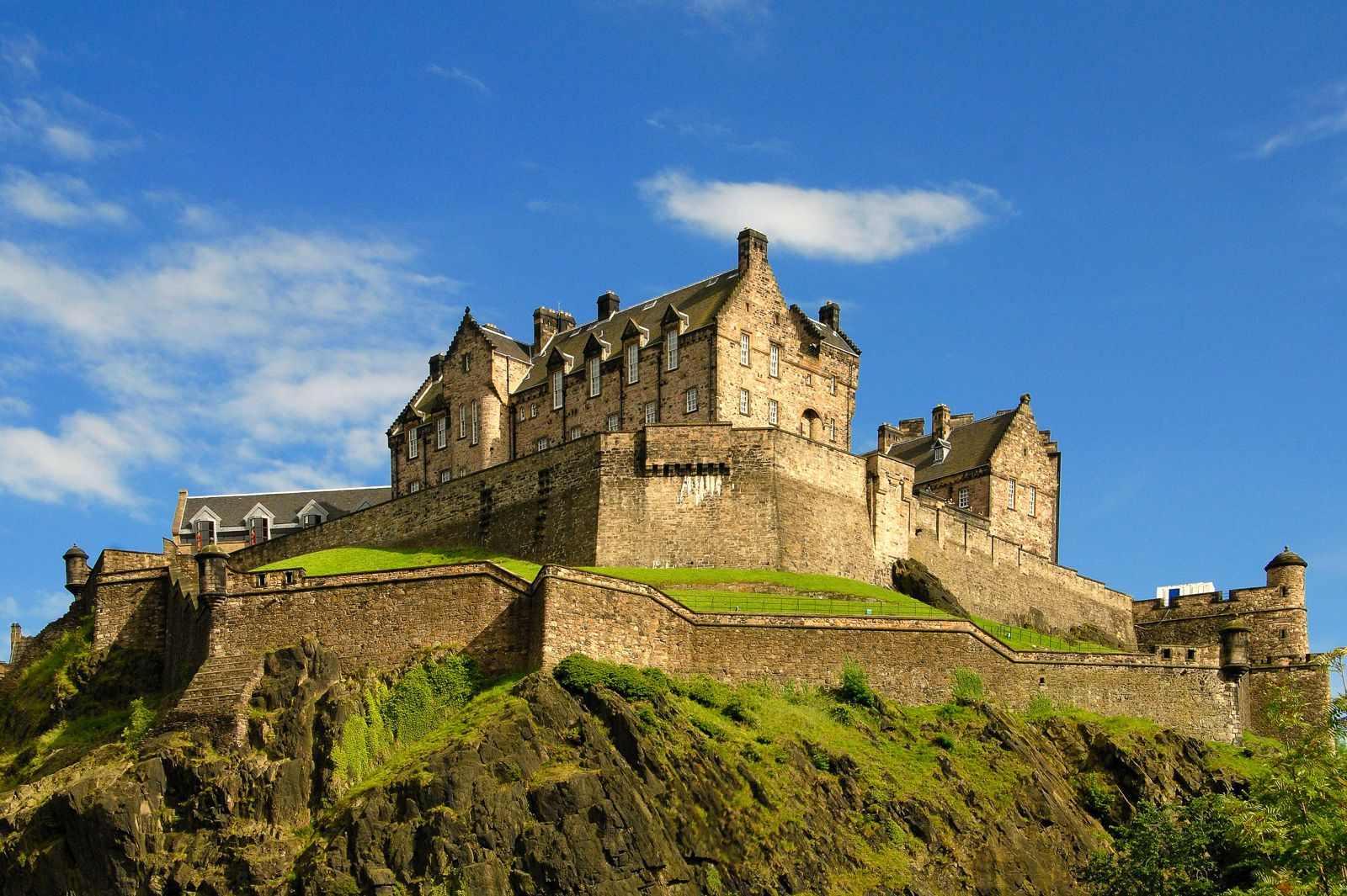 Here's How To Spend 24 Hours For Free In Edinburgh (1)