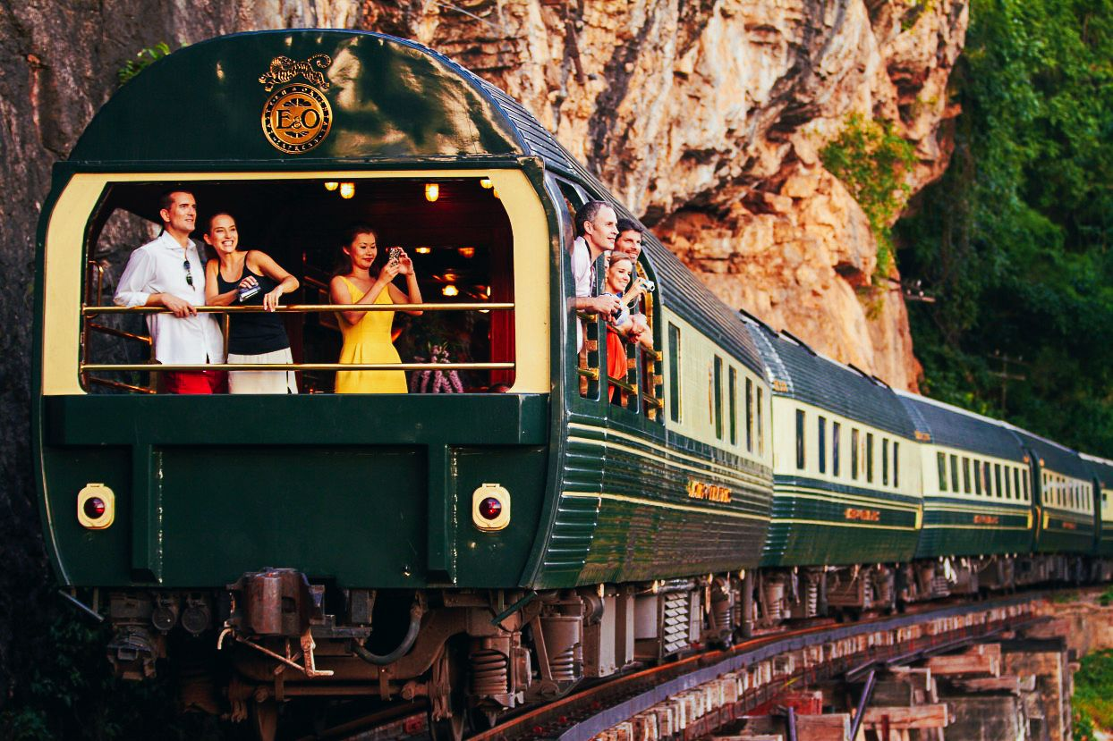 The 15 Most Beautiful Train Journeys Across The World You Have To Travel On! (11)