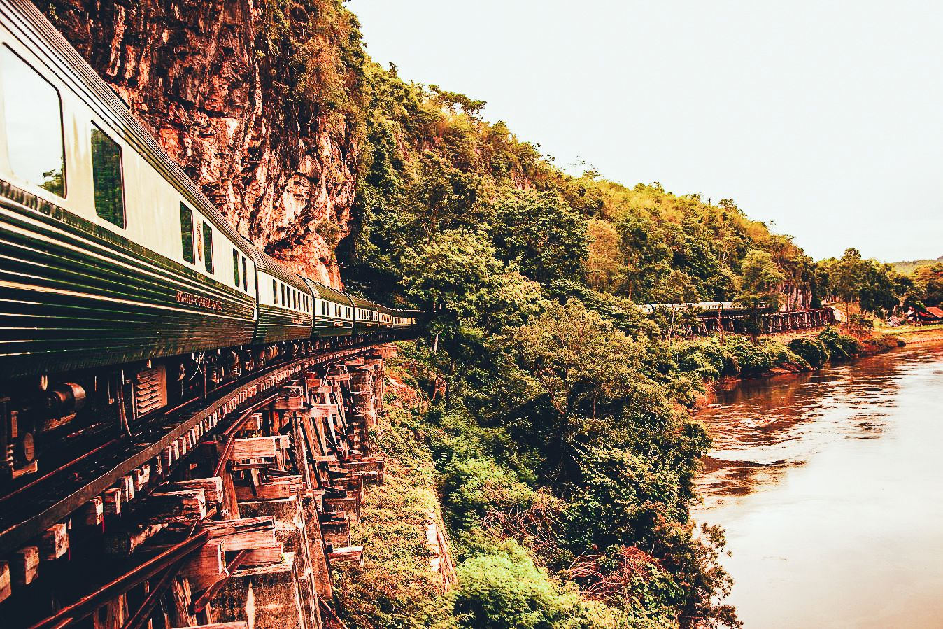 The 15 Most Beautiful Train Journeys Across The World You Have To Travel On! (10)