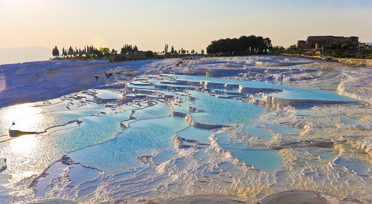 9 Blissfully Beautiful Places That You Will Want To Visit Today (26)