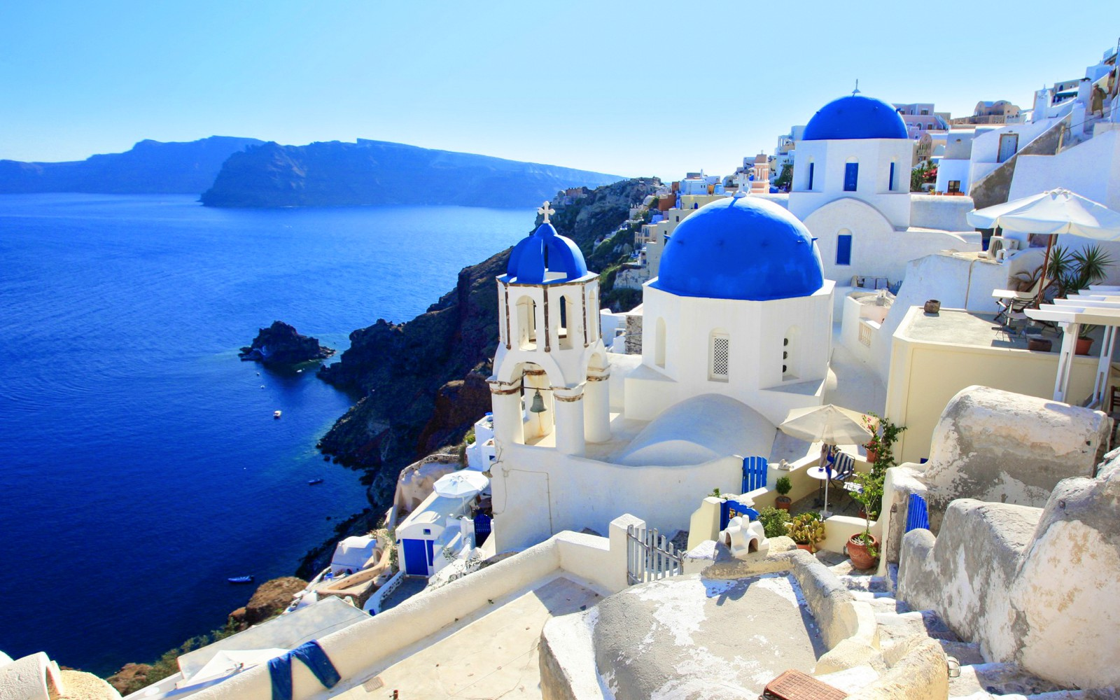 18 Little European Islands that Should be On Every Travellers Radar this year! (17)