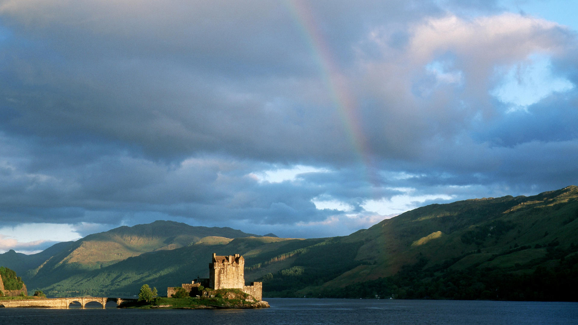 The Complete Guide To Travelling Across The Highlands Of Scotland In The UK (4)