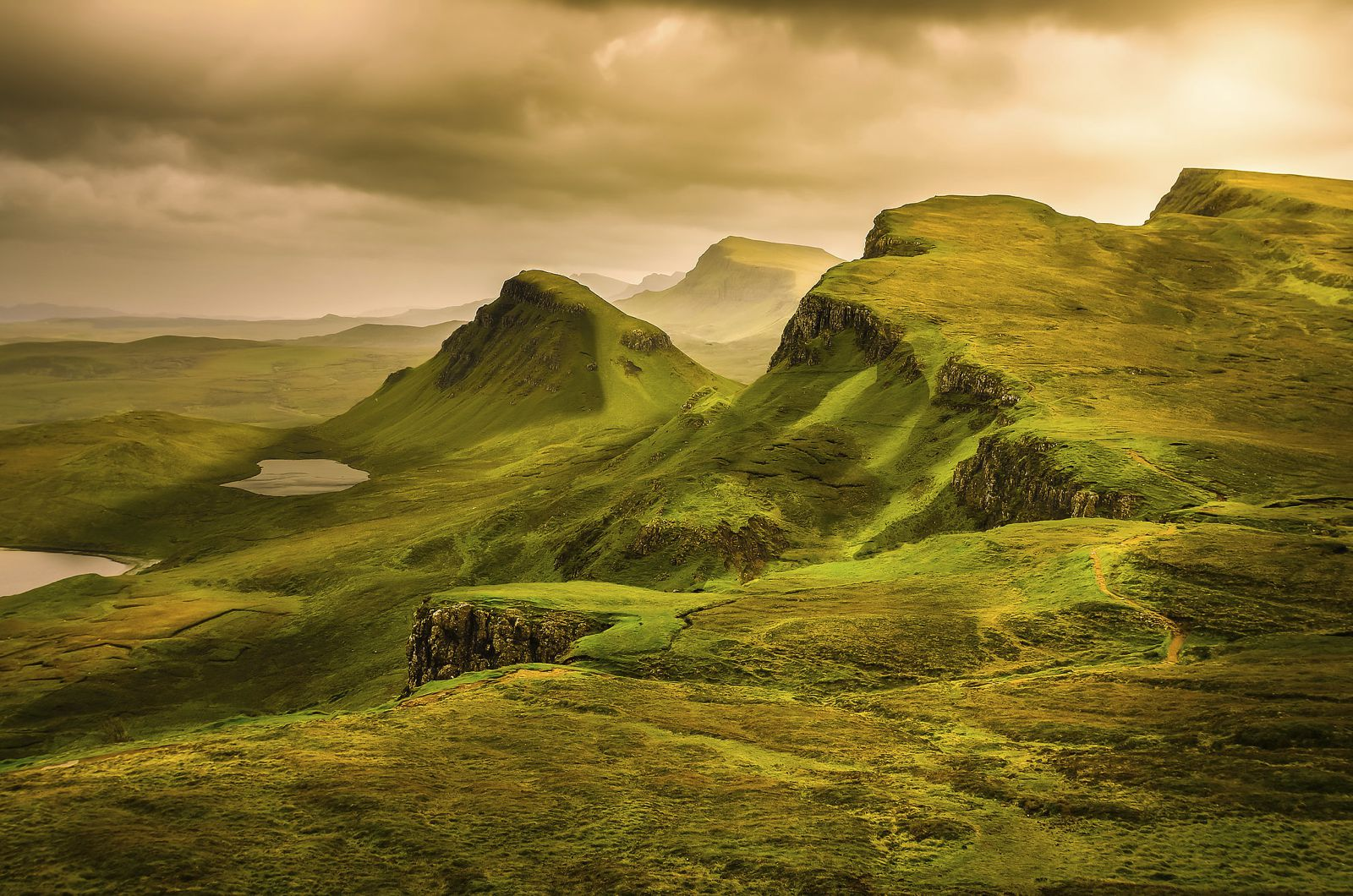 The Complete Guide To Travelling Across The Highlands Of Scotland In The UK (9)