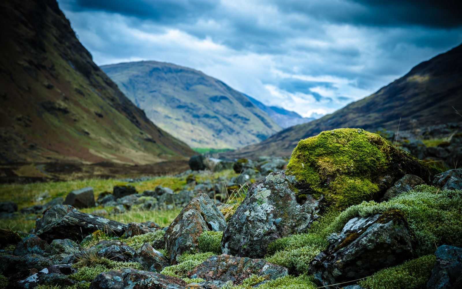 The Complete Guide To Travelling Across The Highlands Of Scotland In The UK (8)