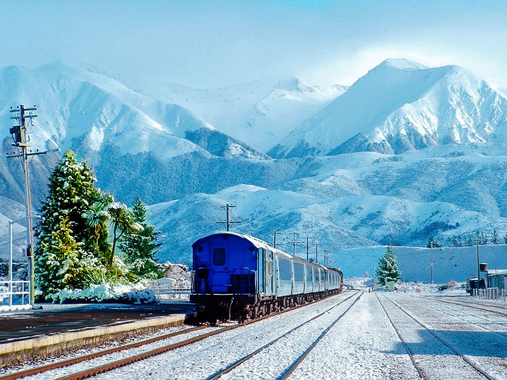 The 15 Most Beautiful Train Journeys Across The World You Have To Travel On! (56)