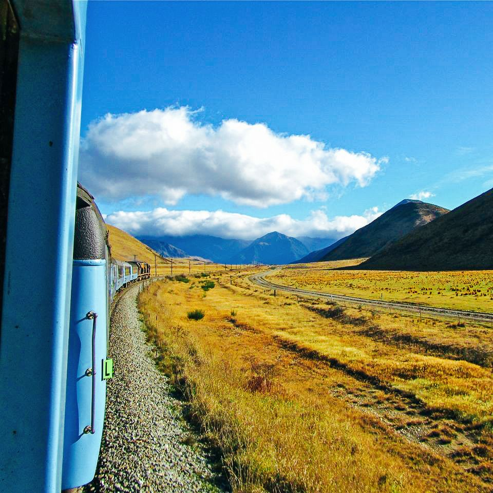 The 15 Most Beautiful Train Journeys Across The World You Have To Travel On! (55)