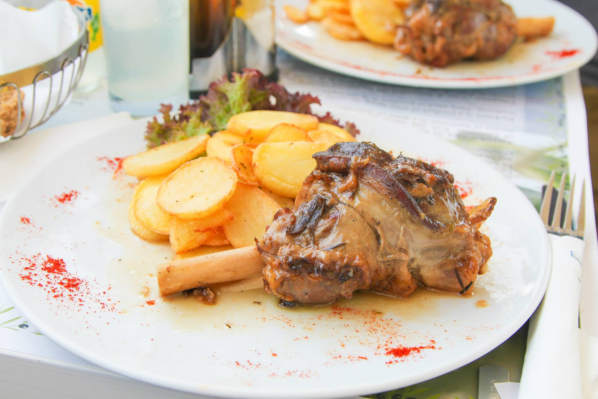 Delicious Foods You Have To Eat In Santorini, Greece... (11)