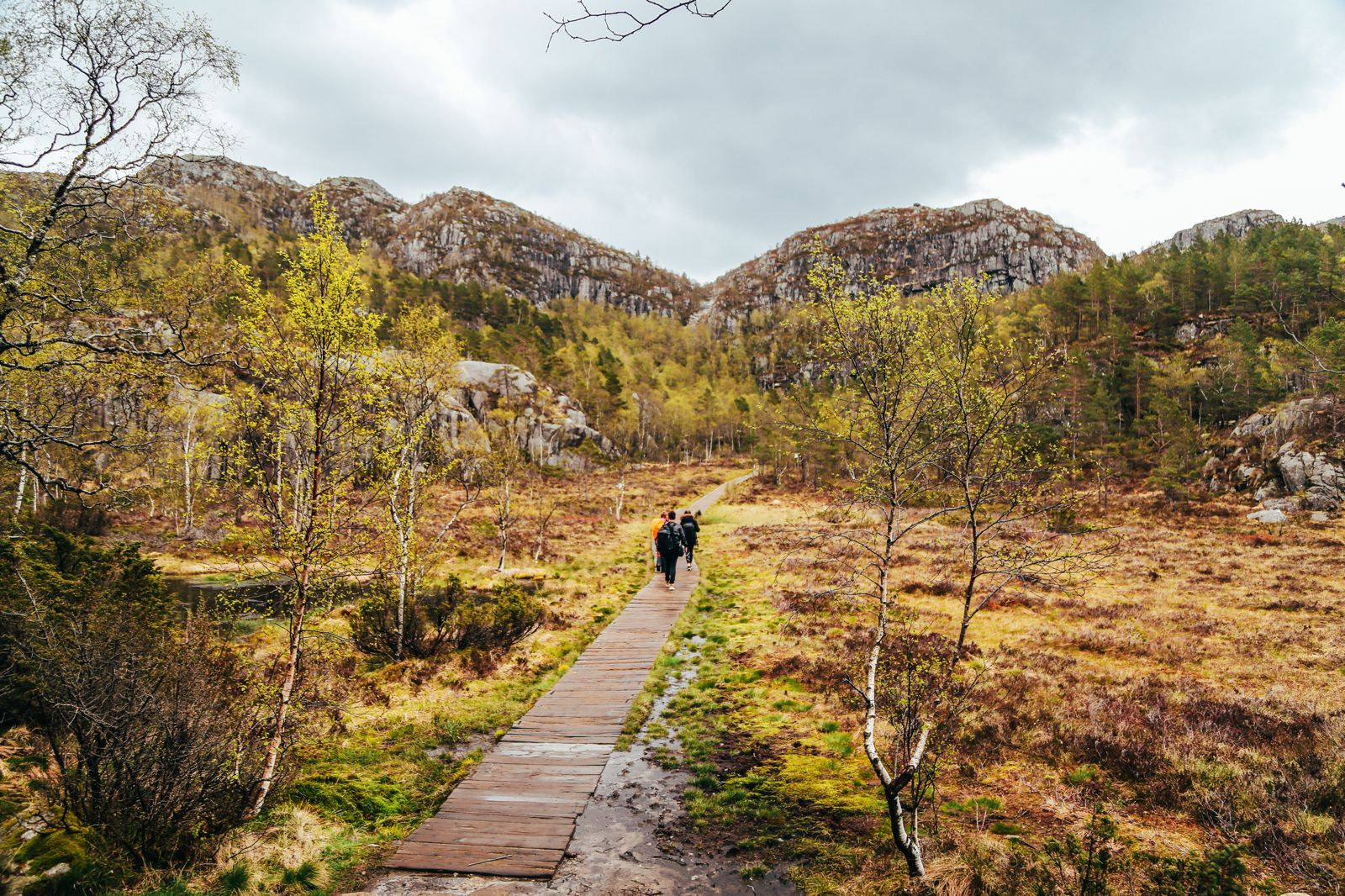 How To See The Lysefjord AND Get To The Very Edge Of Pulpit Rock In Norway! (21)