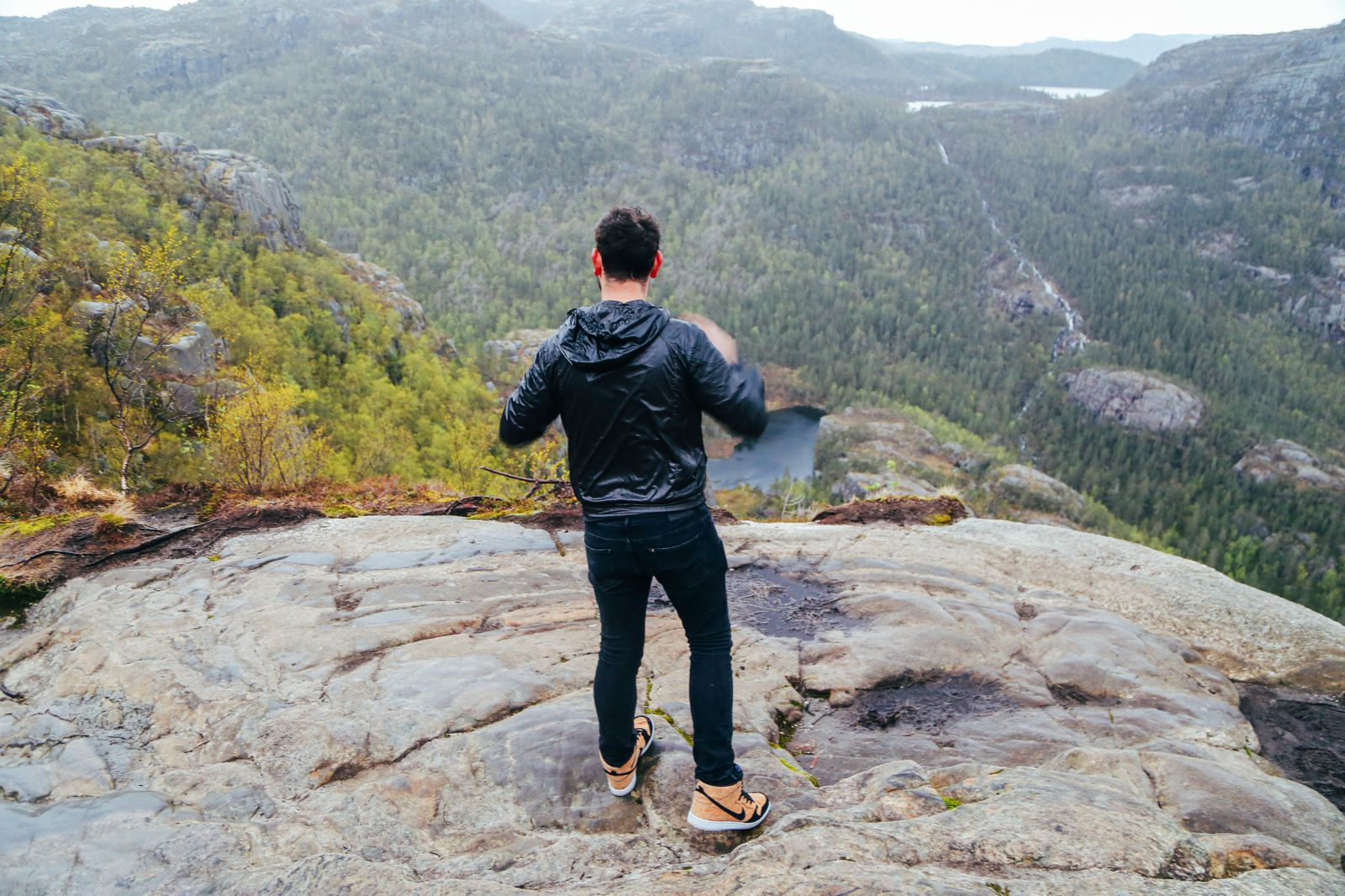 How To See The Lysefjord AND Get To The Very Edge Of Pulpit Rock In Norway! (37)