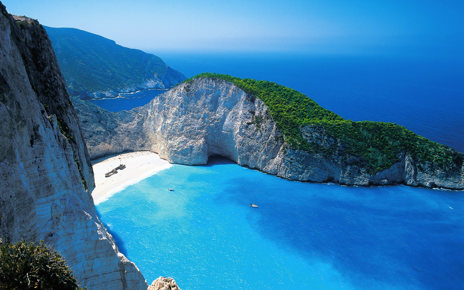 11 European Beaches You Need To Visit This Summer! (11)