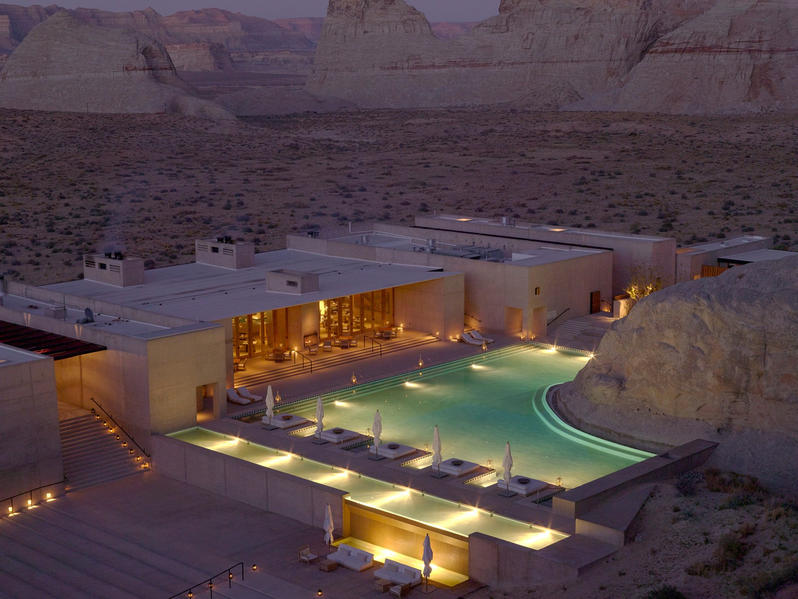 18 Amazing Swimming Pools Around The World That You Have To Visit! (15)