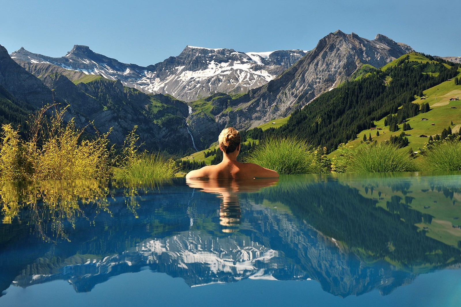 18 Amazing Swimming Pools Around The World That You Have To Visit! (3)