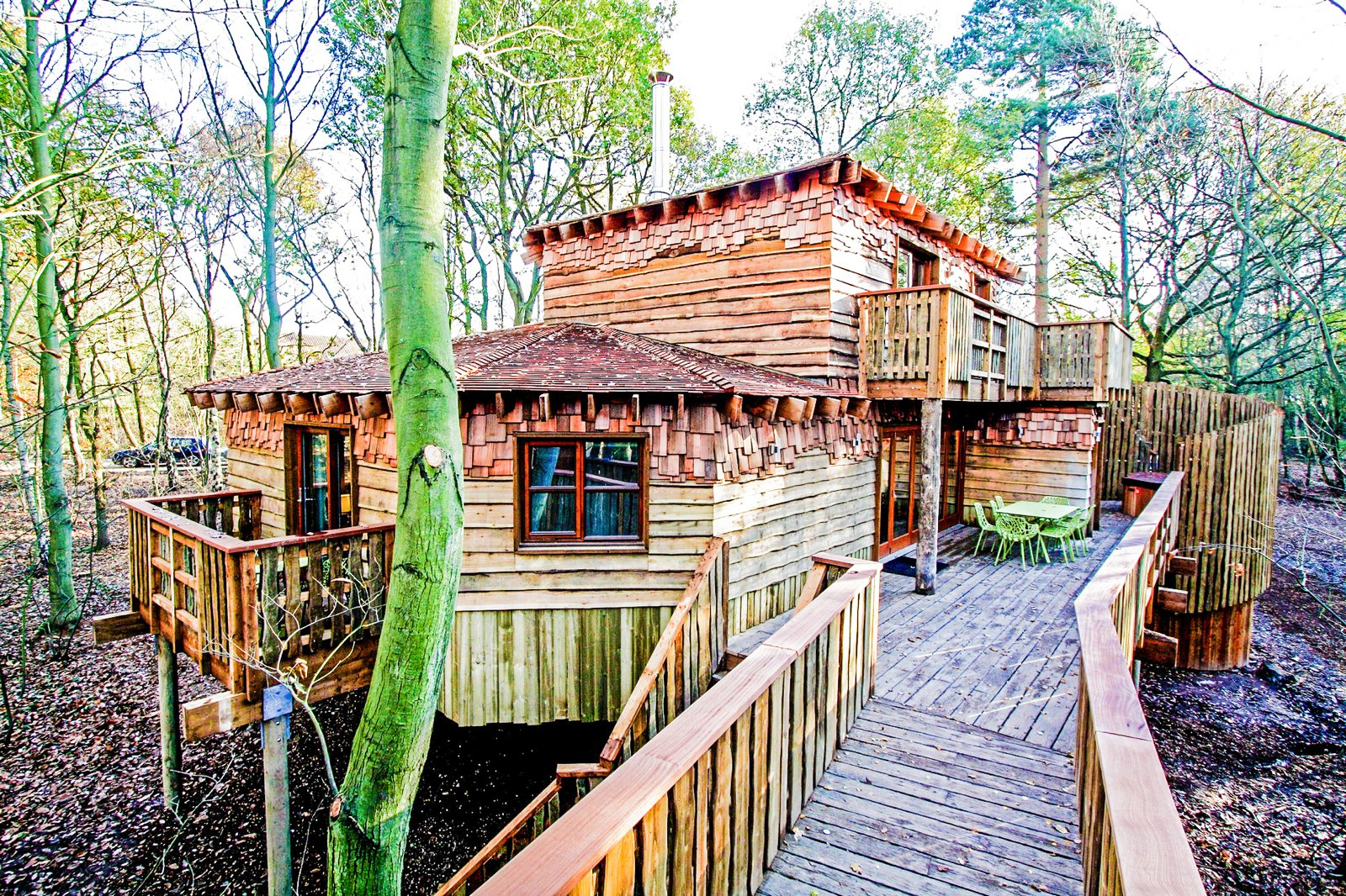 10 Gloriously Quirky Tree Houses To Visit This Year! (3)