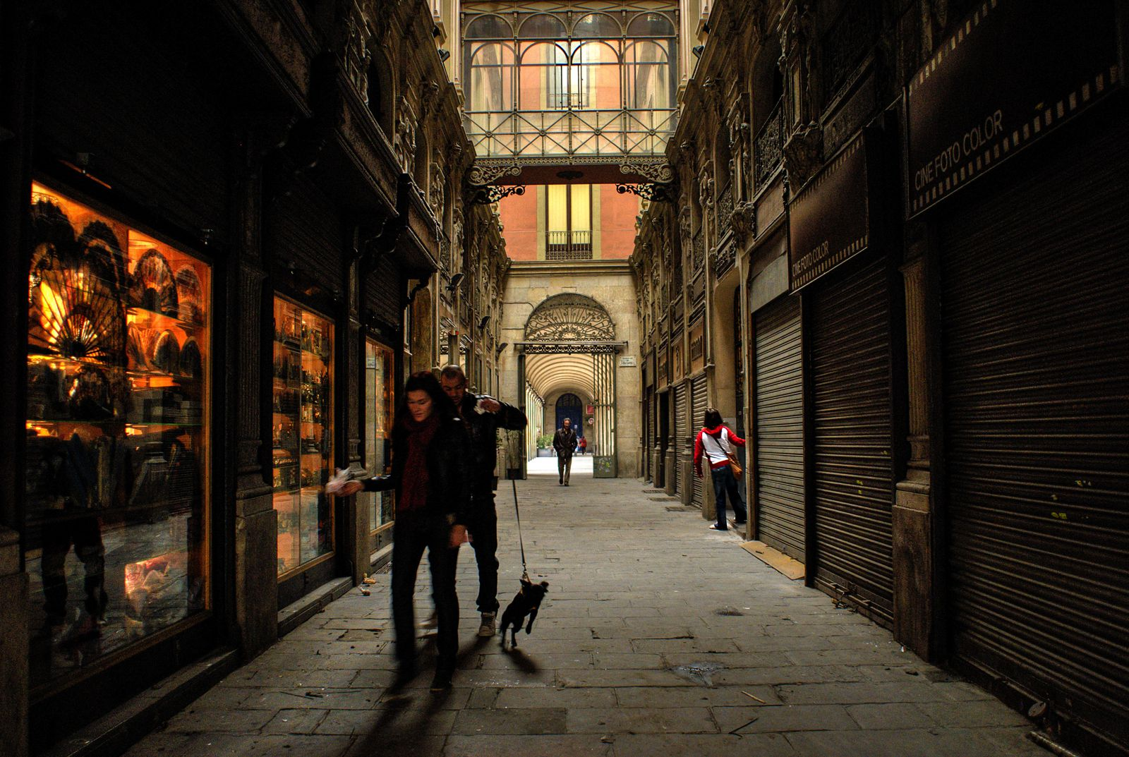 22 Sights You Have To See When You Visit Barcelona, Spain... (13)