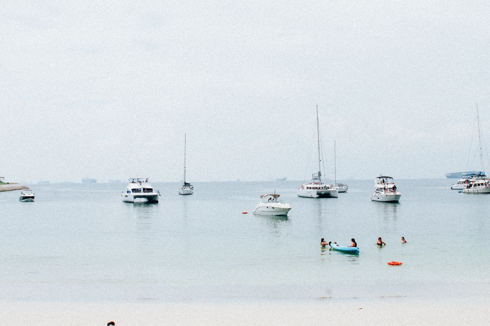 There's An Amazing Secret Beach In Singapore That No One Is Telling You About! (2)