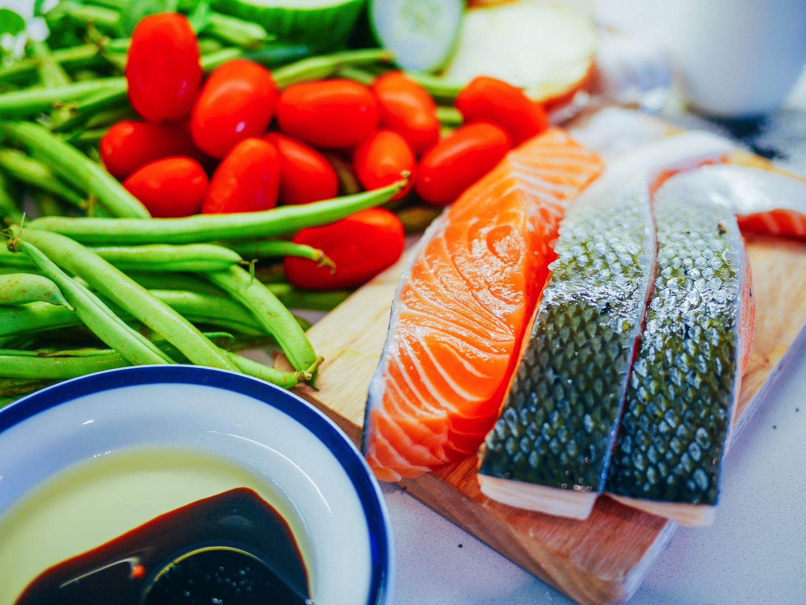 Zesty fresh salmon, herby tzatziki and wholesome baked asparagus recipe. Greek meal recipe (3)