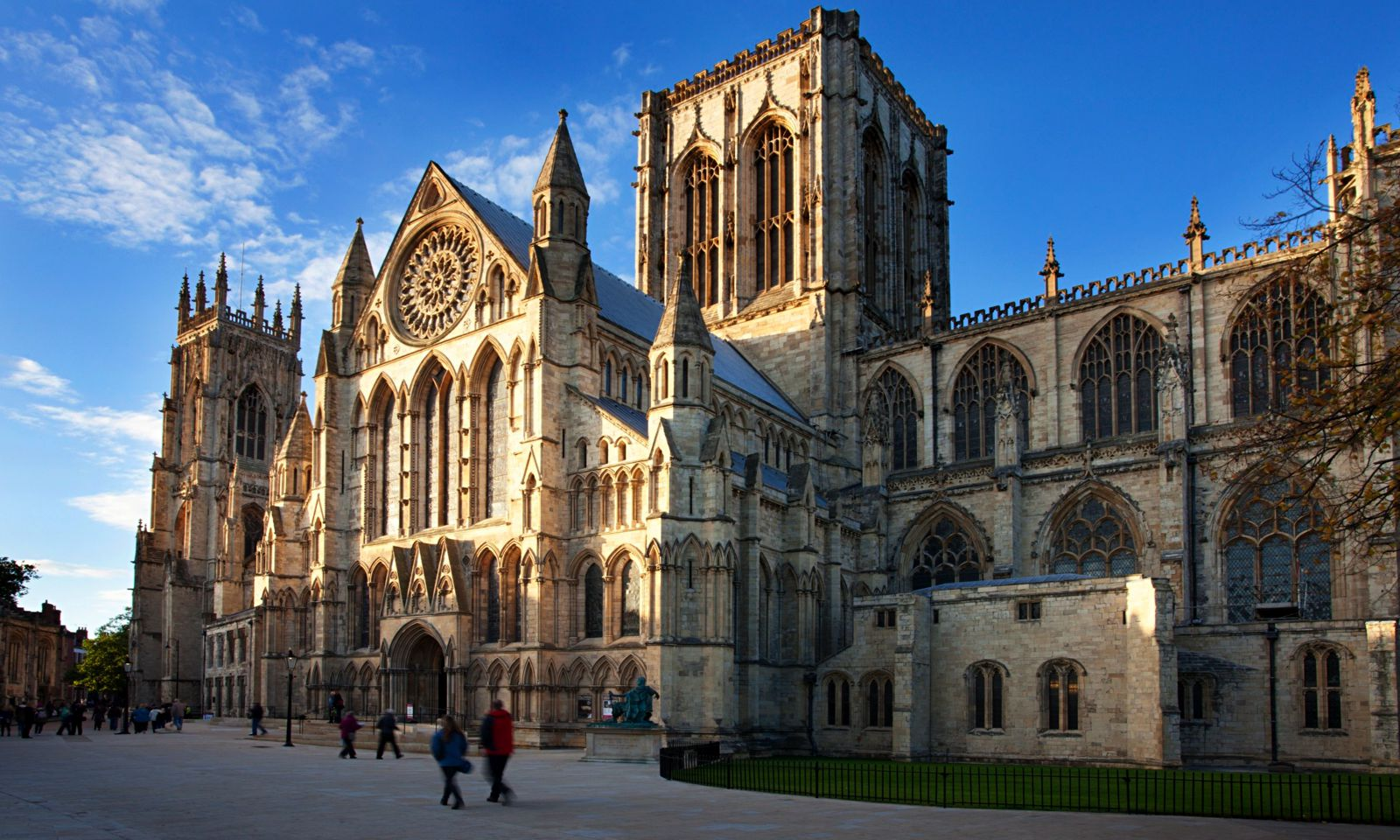 14 Cities Outside of London That You Need To Visit In The UK! (3)