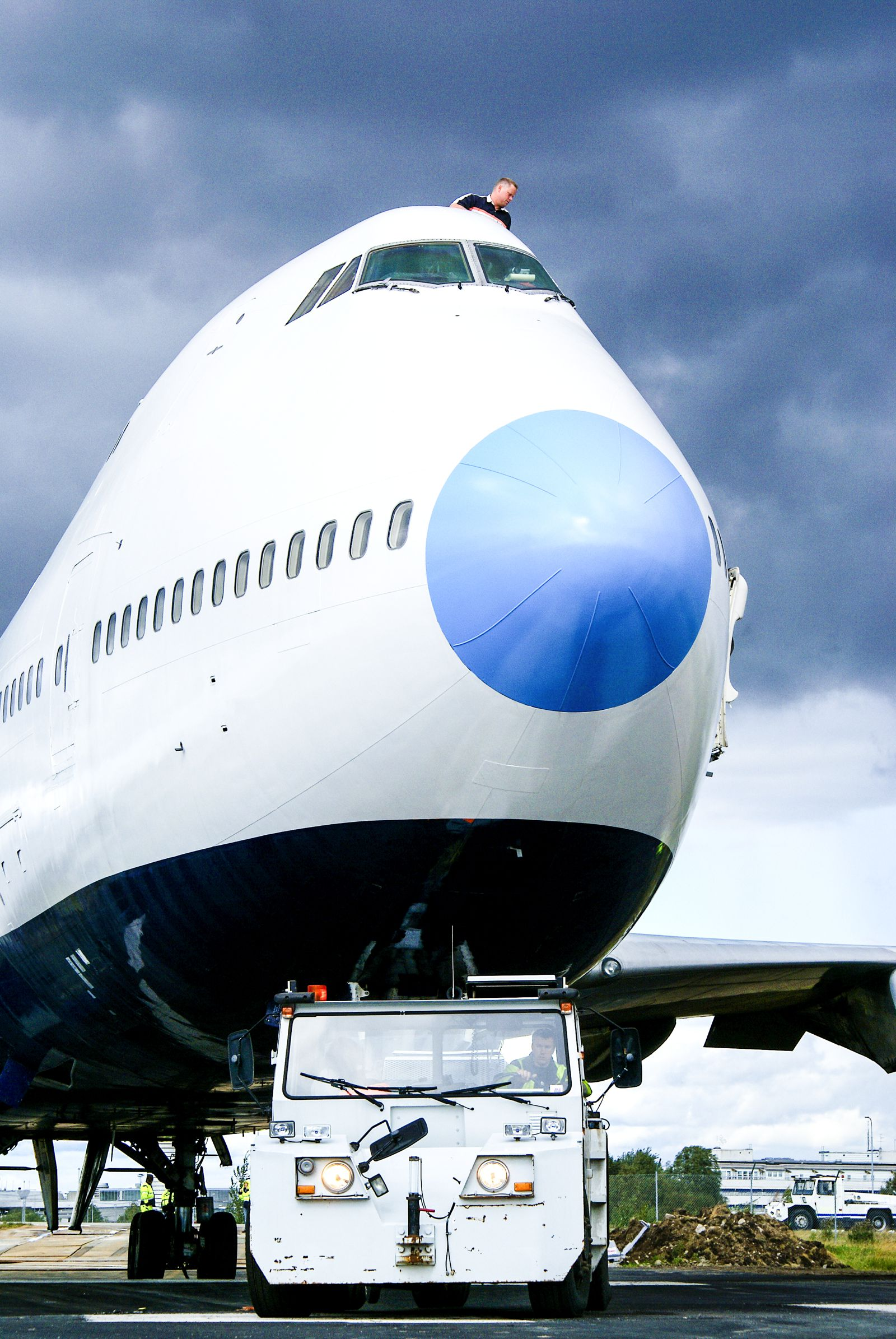 Ever Wanted To Stay In A Jumbo Jet? Now Is Your Chance! (9)