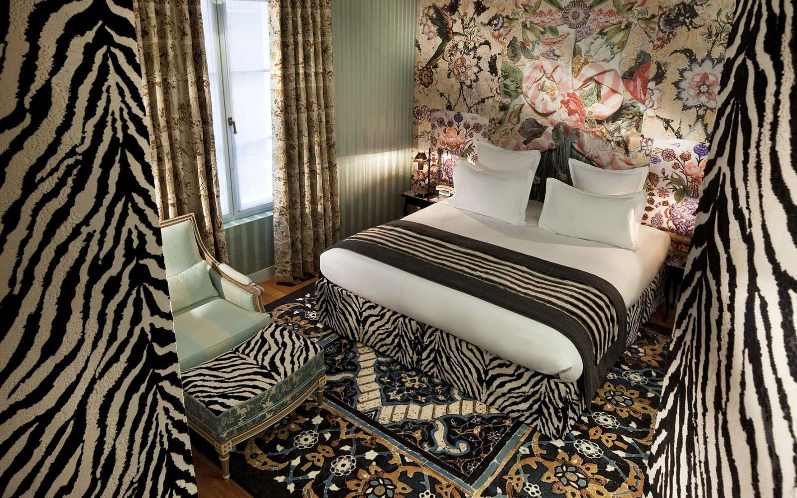 Planning A Luxury stay In Paris? Try The Hotel Petit Moulin (8)