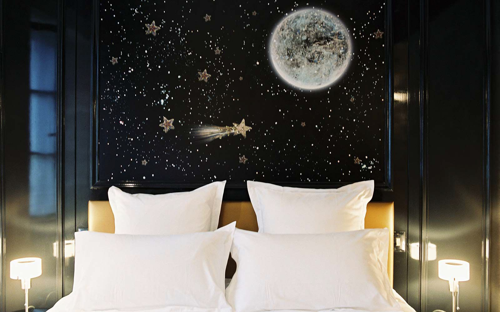 Planning A Luxury stay In Paris? Try The Hotel Petit Moulin (5)