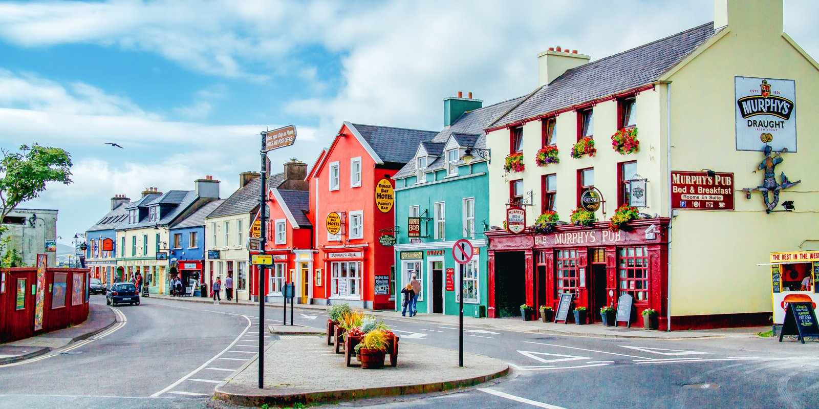 5 towns villages you have to visit in ireland hand for Village town