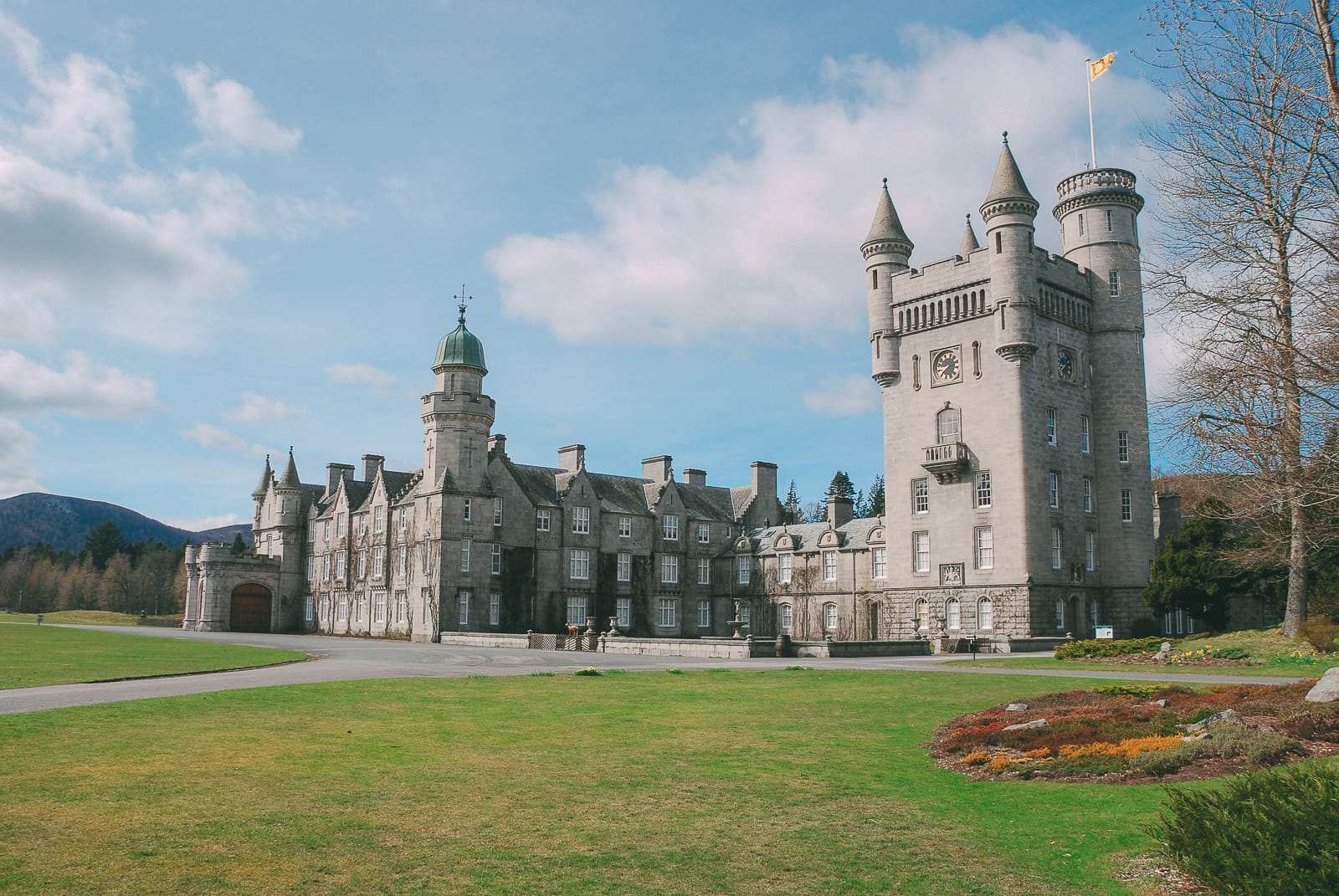 Fairy Tale Castles You Must Visit In Scotland (12)