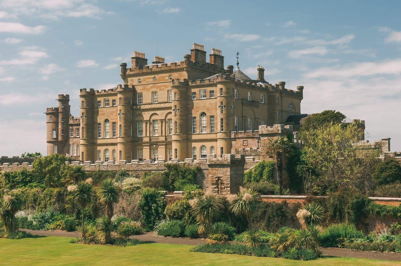 Fairy Tale Castles You Must Visit In Scotland (11)