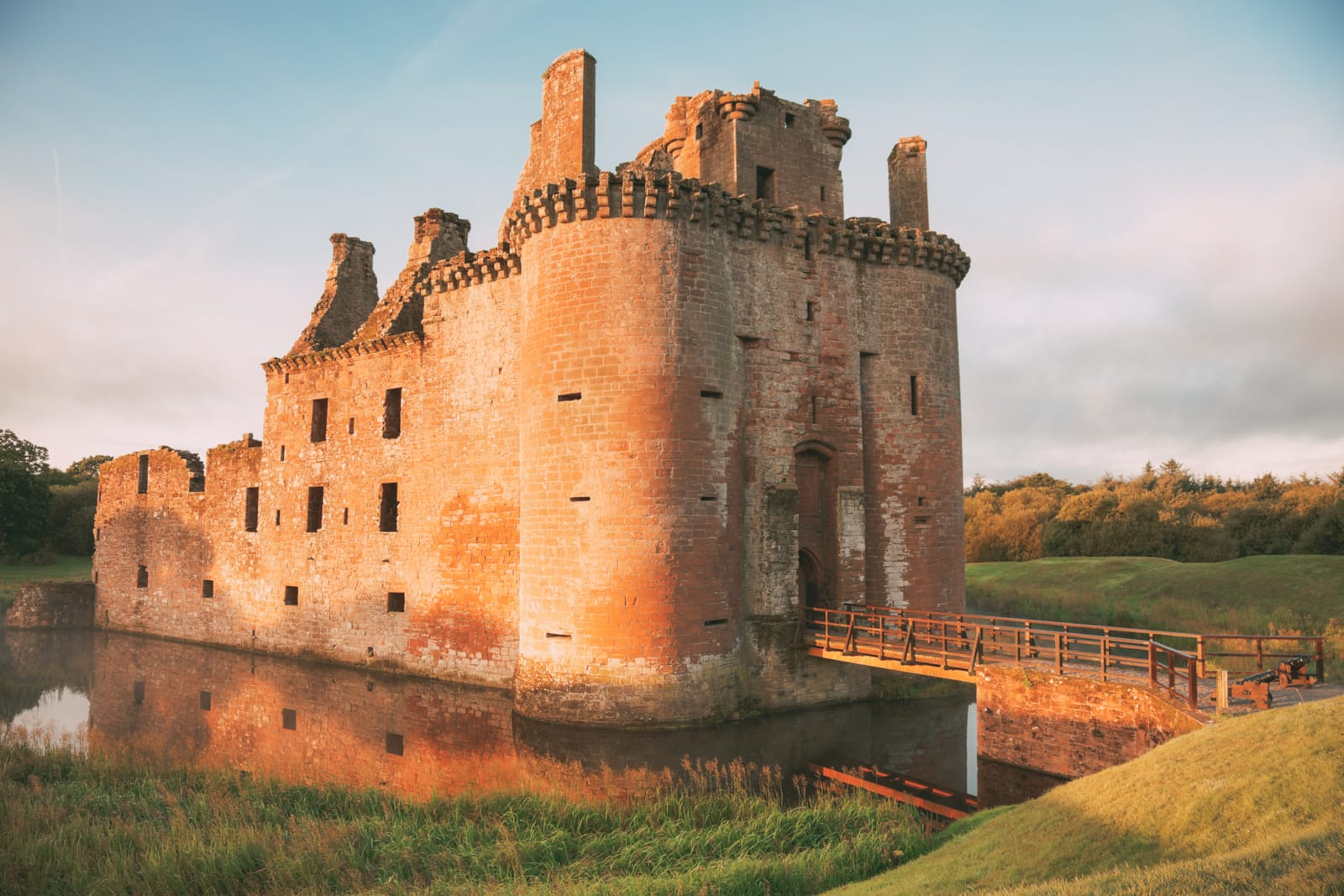Fairy Tale Castles You Must Visit In Scotland (9)