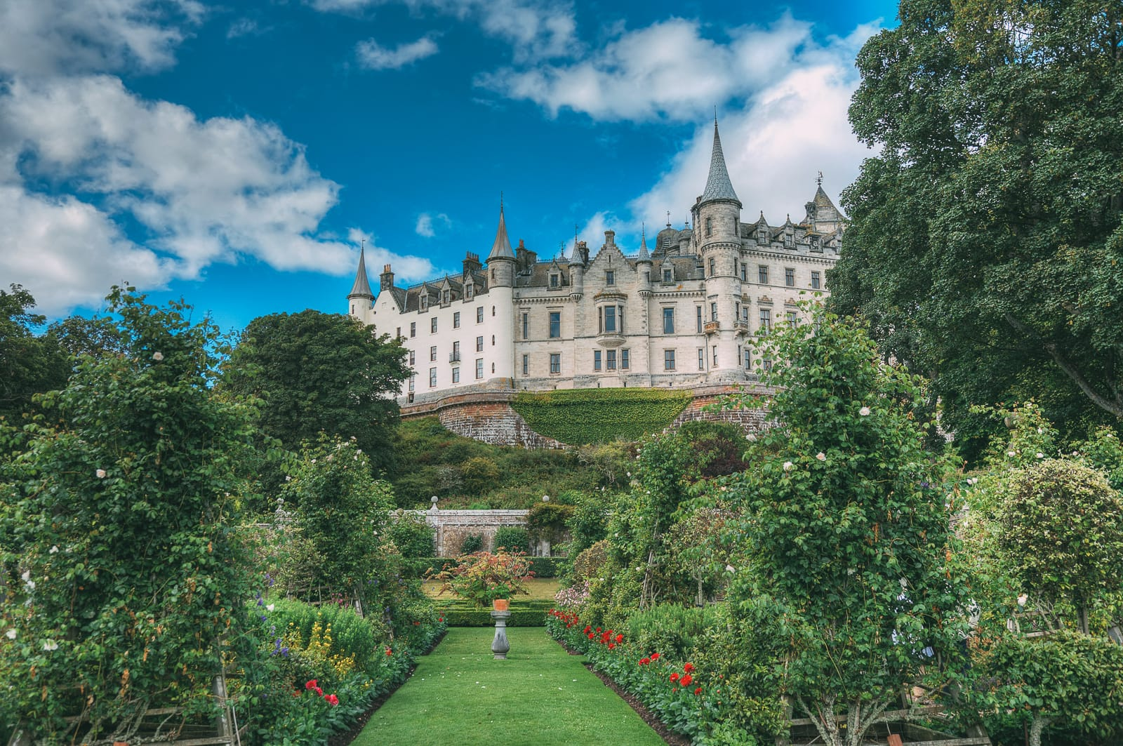 Fairy Tale Castles You Must Visit In Scotland (8)