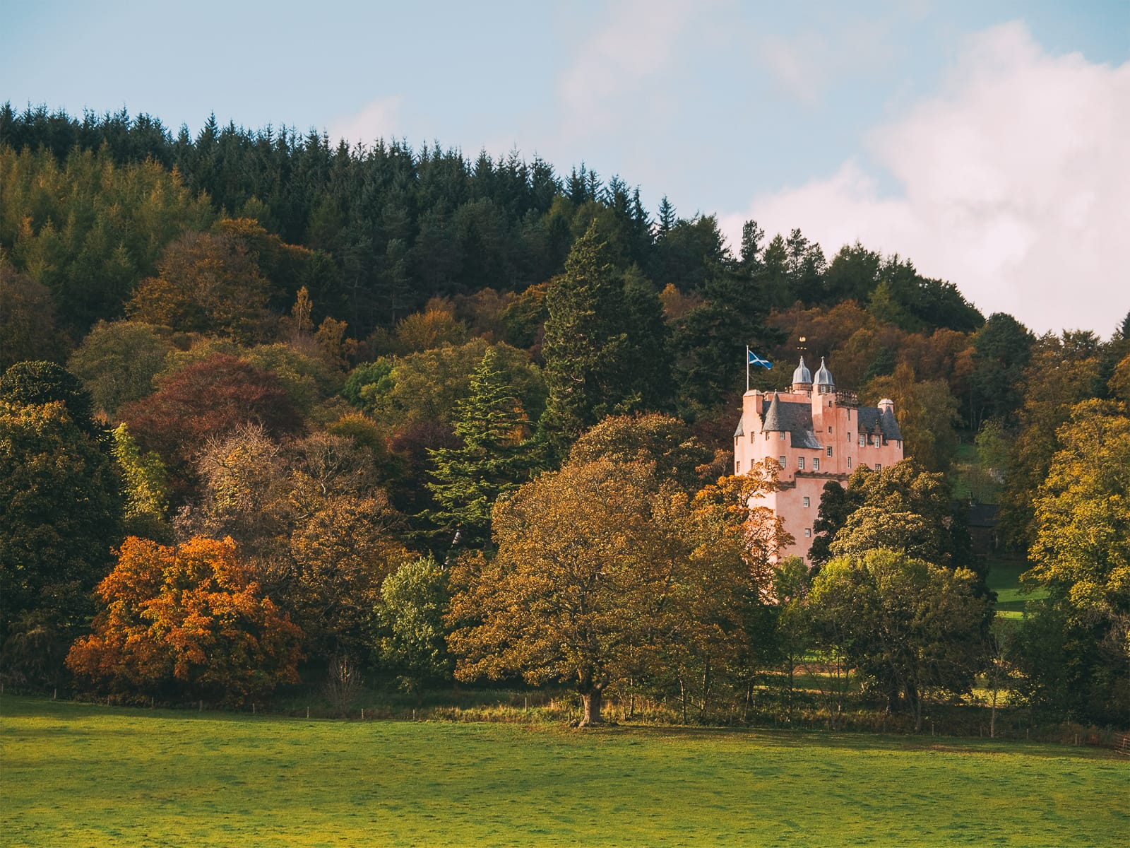 Fairy Tale Castles You Must Visit In Scotland (7)