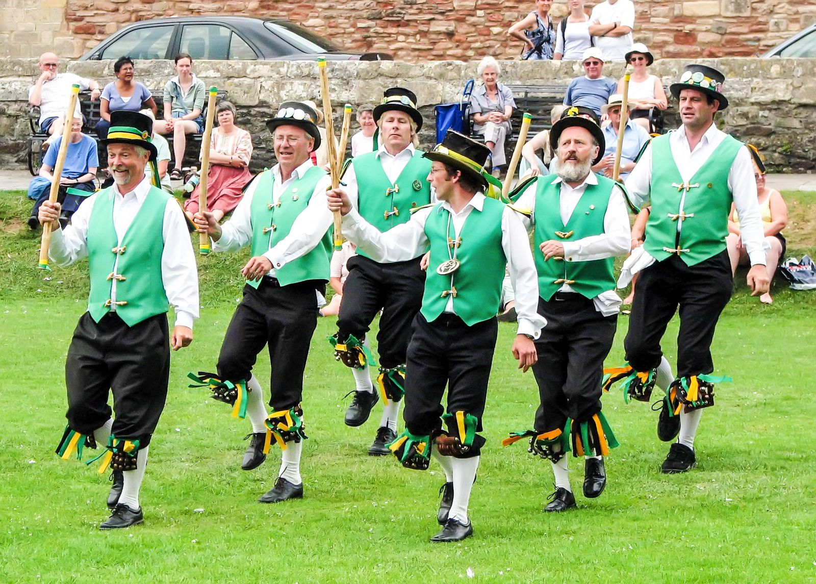 9 Uniquely British Traditions You Must Experience In The UK (11)